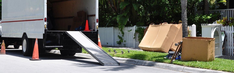 Trasporto dei mobili ed articoli con camion a Cornaredo