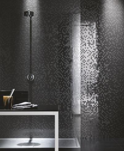 Mosaico nero rivestimento bagno