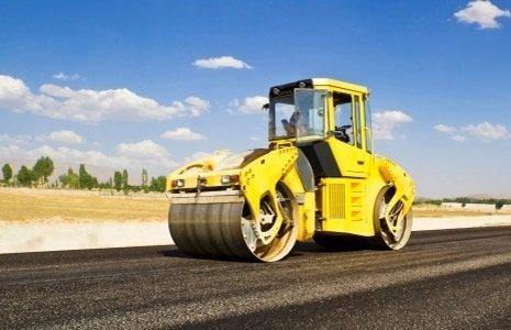 Macchina per livellare l'asfalto