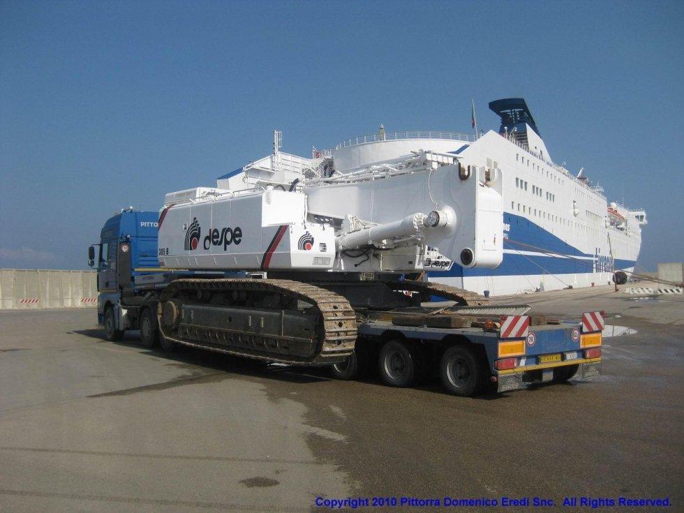 camion con rimorchio per trasporto eccezionale