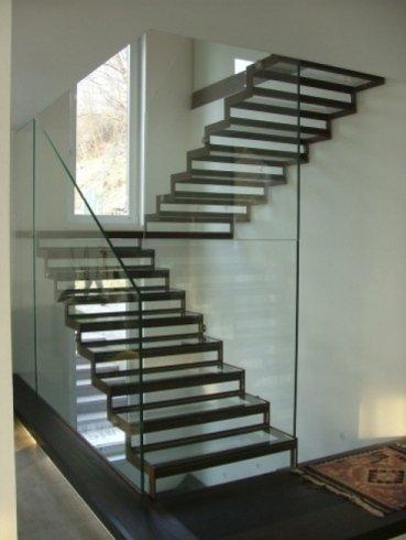 gradini in vetro, scale in vetro, parapetto in vetro