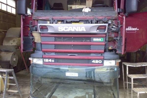 sostituzione parabrezza camion