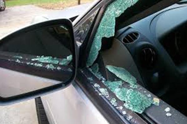 rottura vetri laterali