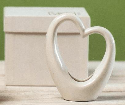 Vaso piccolo a forma di cuore in porcellana.