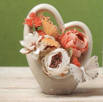 Vaso  a forma di cuore in porcellaba