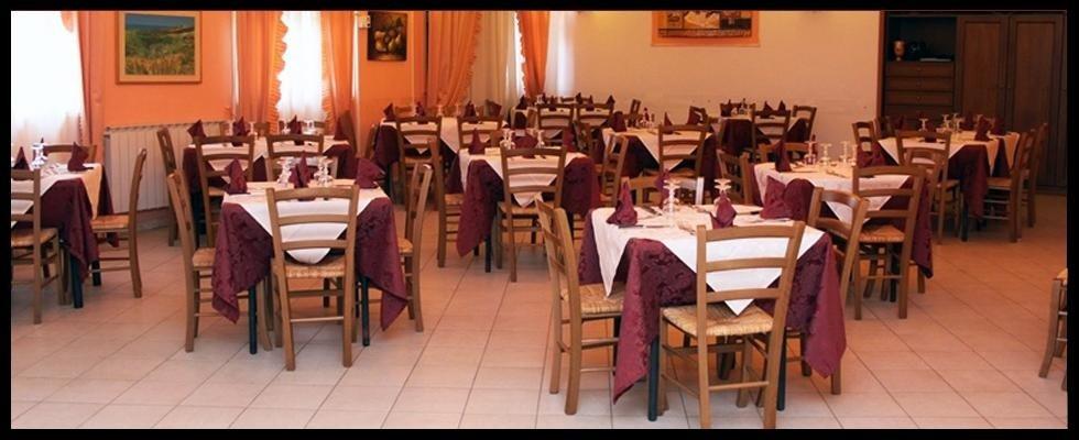 sala ristorante-pizzeria