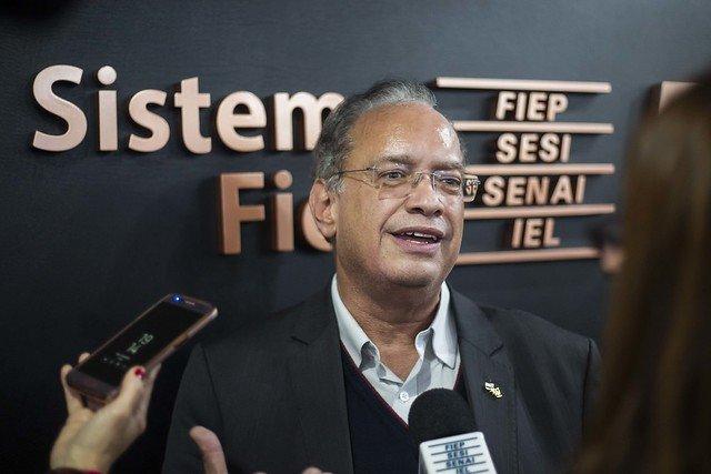 Resultado de imagem para presidente da Fiep Carlos Valter