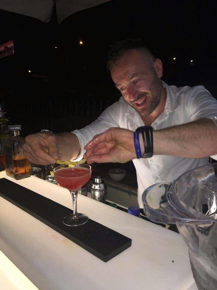 barman in azione