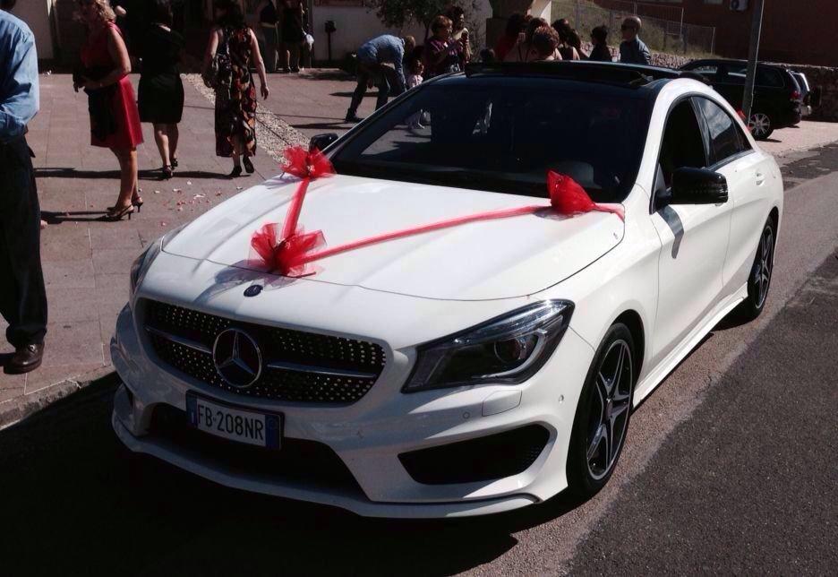 Mercedes bianca auto per matrimoni