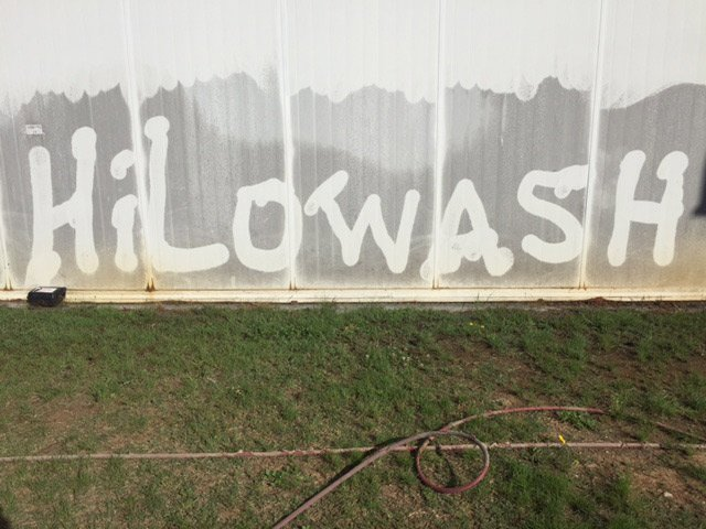 hilo wash on wall