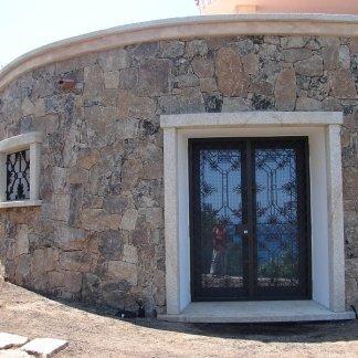 Costruzione in pietra e granito