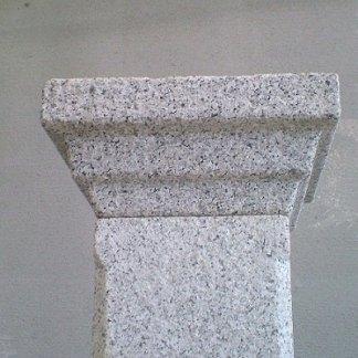 Colonna in granito
