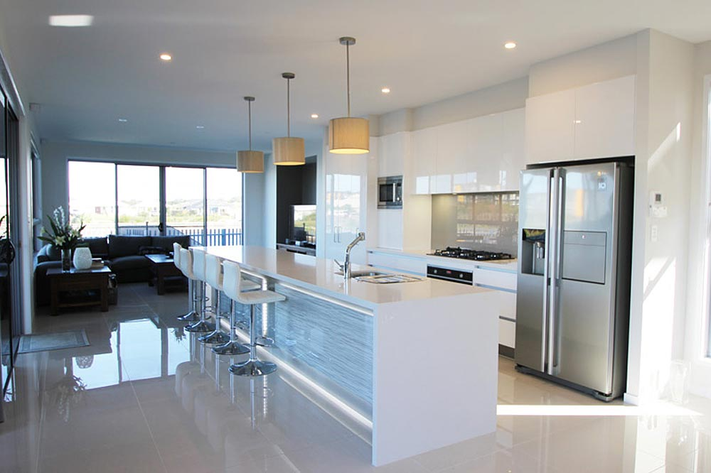 Birtinya Island kitchen