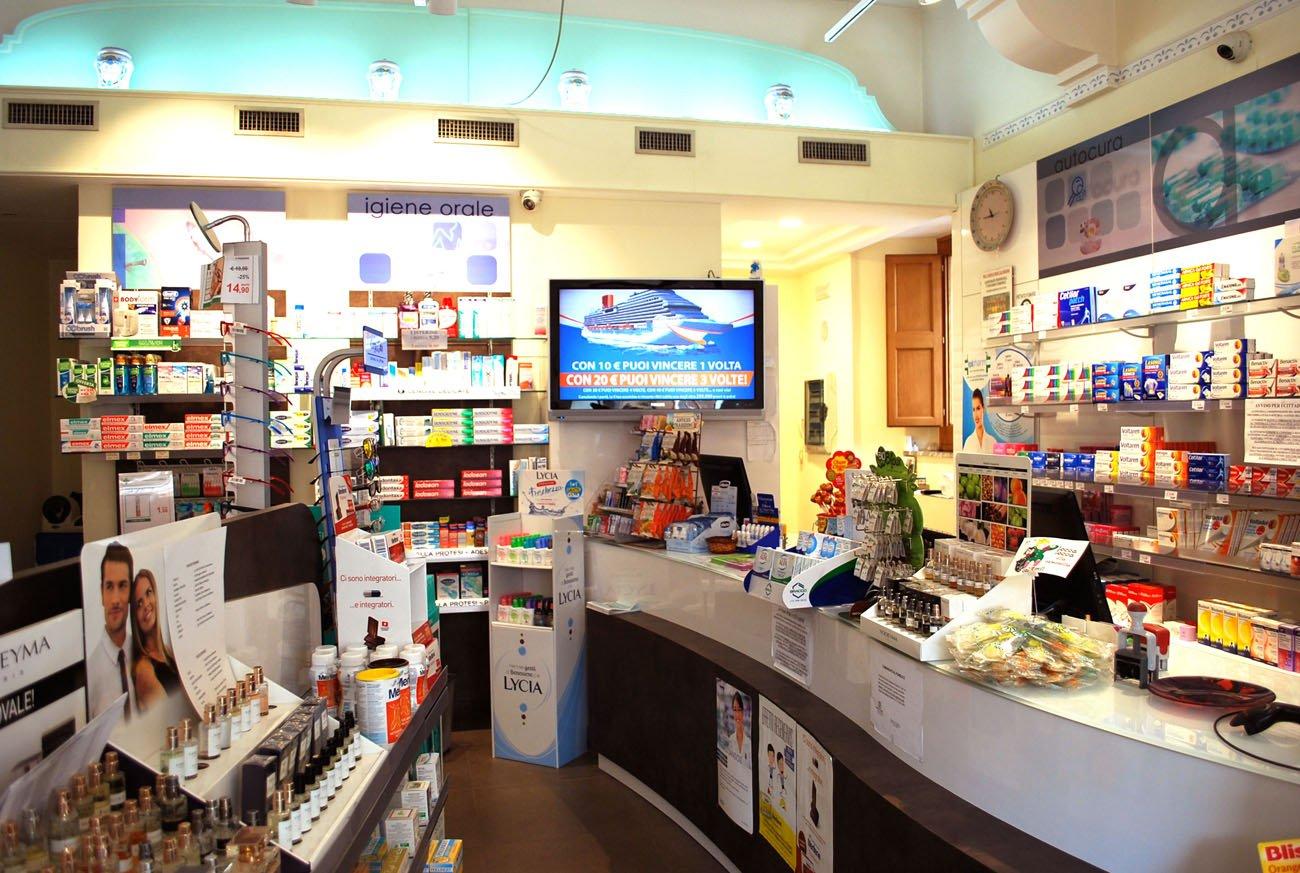 farmacia con televisione