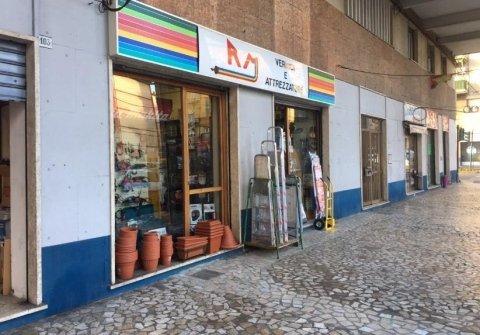 attrezzature giardinaggio La Spezia, pitture vernici la Spezia
