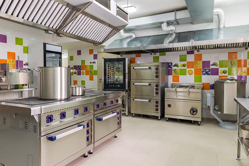 delle forniture industriali in acciaio per cucine