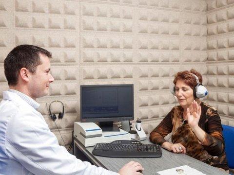 Esecuzione del test dell'udito
