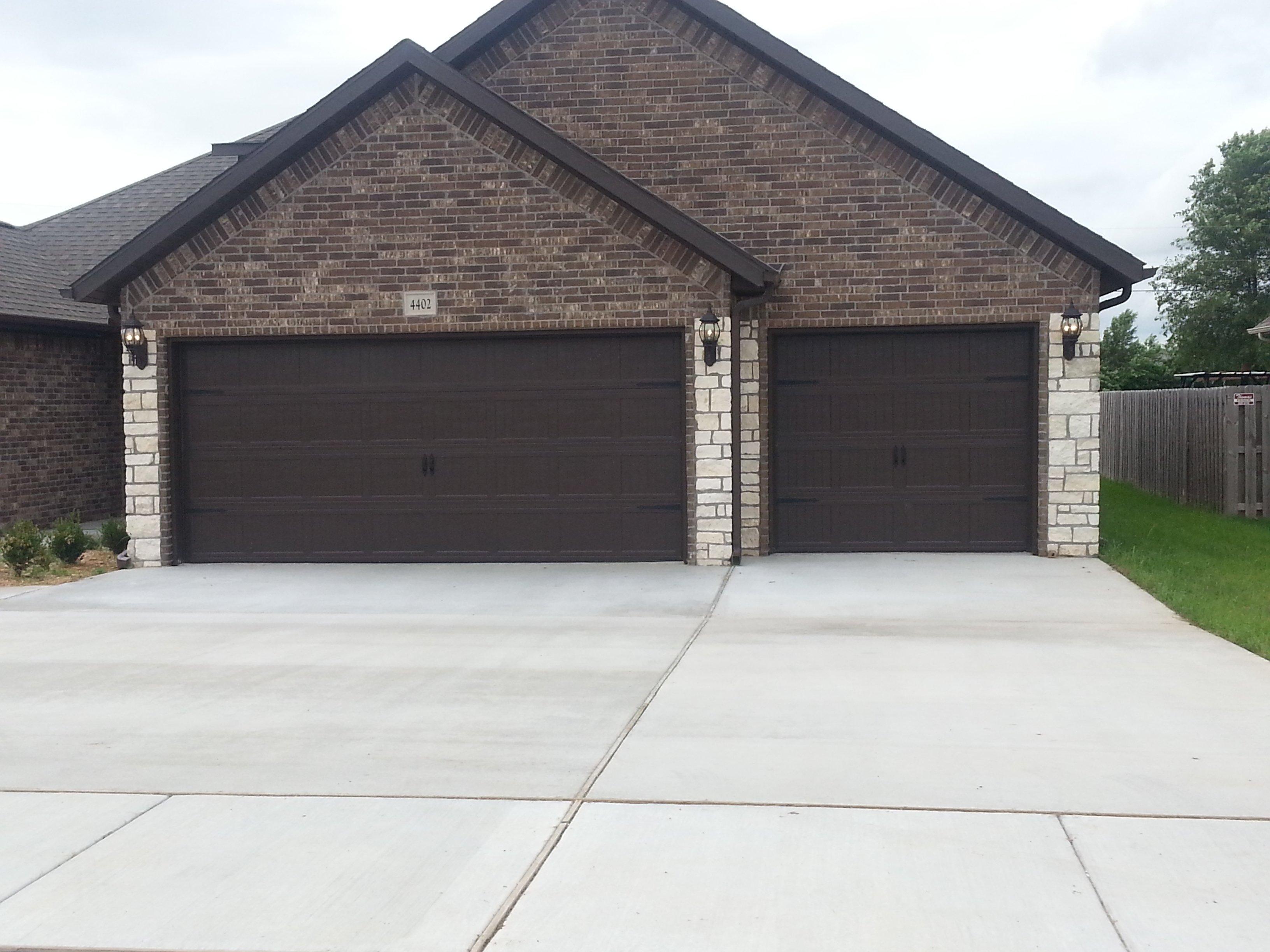 Kennith 39 s overhead door garage doors springdale ar for Overhead garage door okc