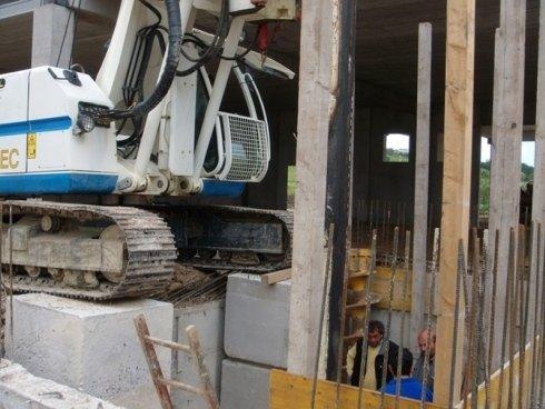realizzazione foro per inserimento martinetto ascensore
