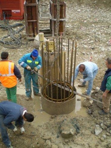 inserimento armatura all'interno del tuboforma