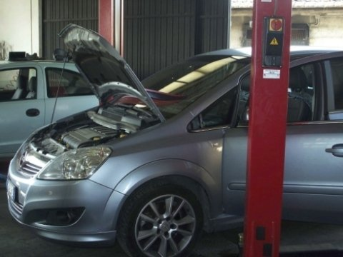 aria condizionata per auto, riparazione vetri, riparazione cristalli per auto