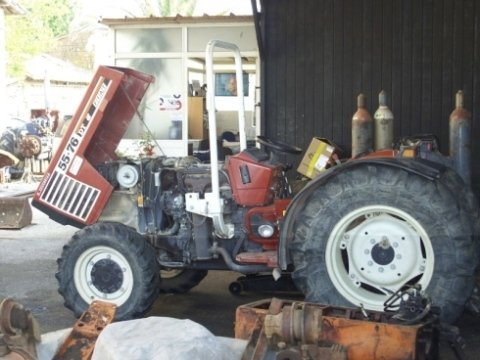officina meccanica, assistenza macchine agricole, revisioni periodiche di autoveicoli