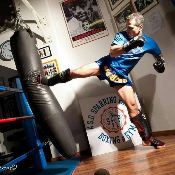 allievo durante allenamento di boxe