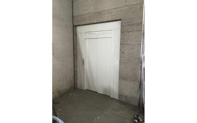 porta automatica per ascensore