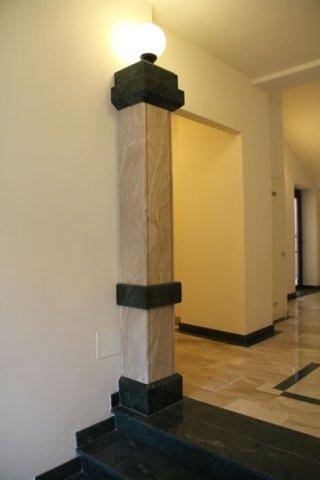 colonna granito