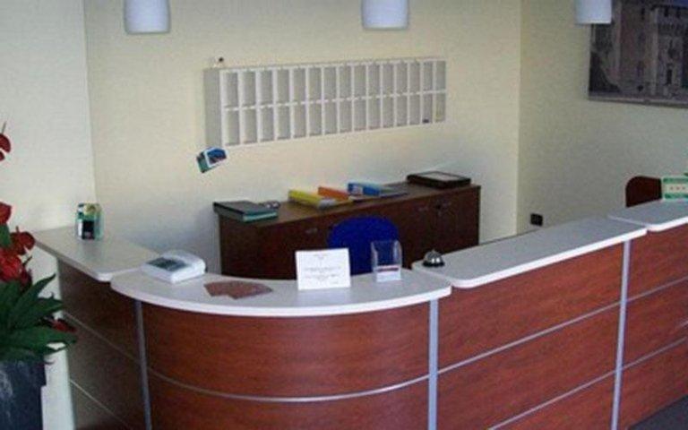motel giglio sala aspetto reception