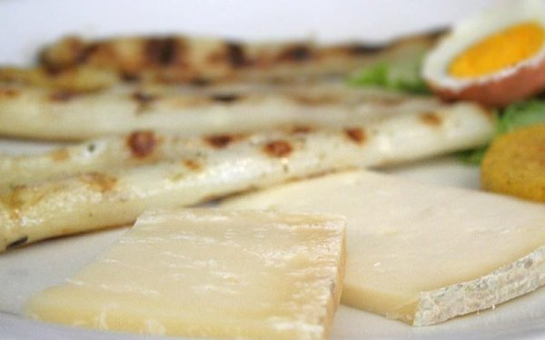 asparagi e formaggi
