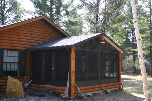 Three season sunroom 3 season room fuller garage door for Log cabin sunrooms