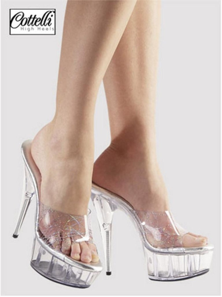 scarpe col tacco trasparenti