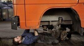 braccetti, paraurti, cambio pneumatici