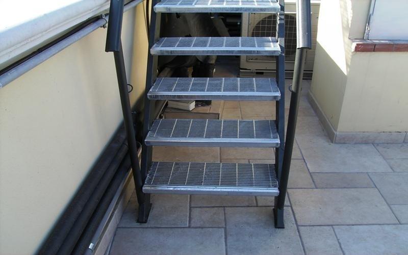 Scala esterna ferro - Scale da esterno in muratura ...