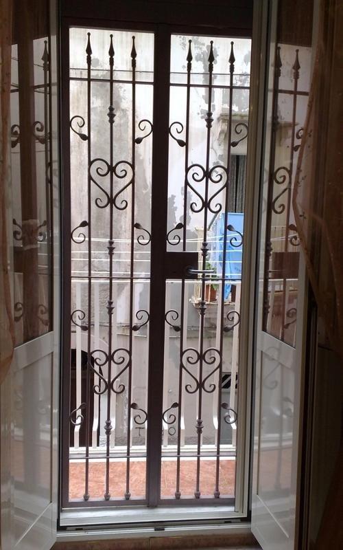 Cancello decorazioni in ferro