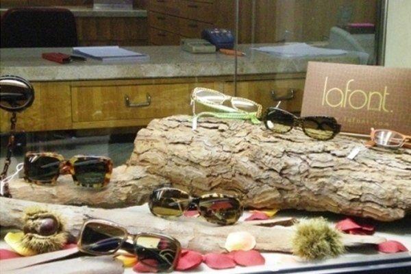 degli occhiali da visita della marca Lafont