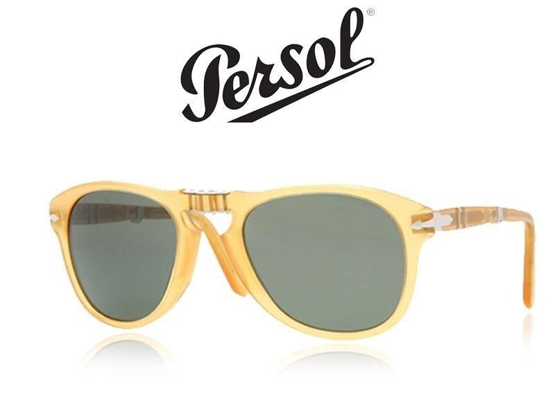 occhiali da sole di color giallo della marca persol