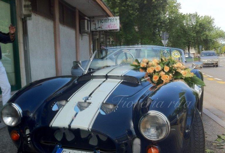 addobbo macchina per matrimonio