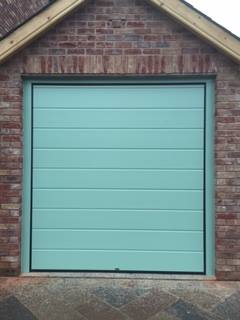 M ribbed sectional door
