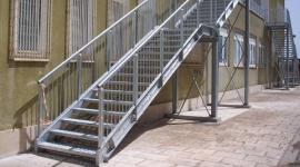 installazione strutture antincendio, progettazione scale antincendio, sostituzione inferriate metalliche