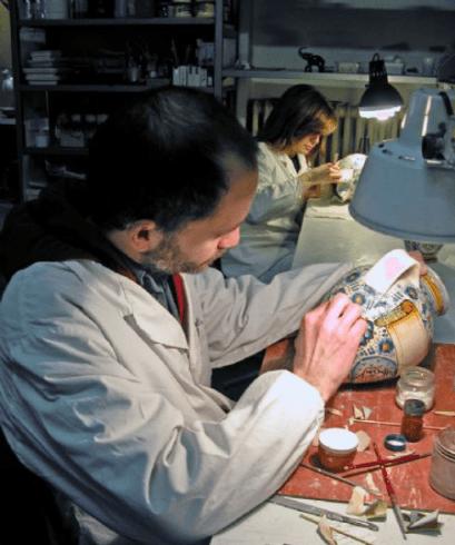 Restauro di ceramiche, Firenze