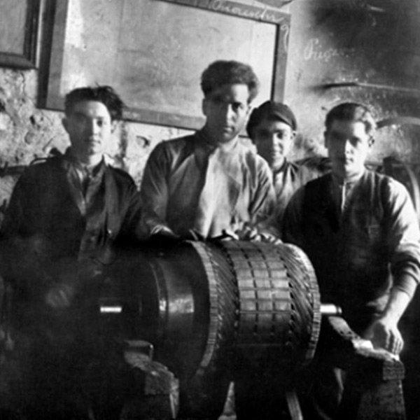 foto storica di alcuni operai