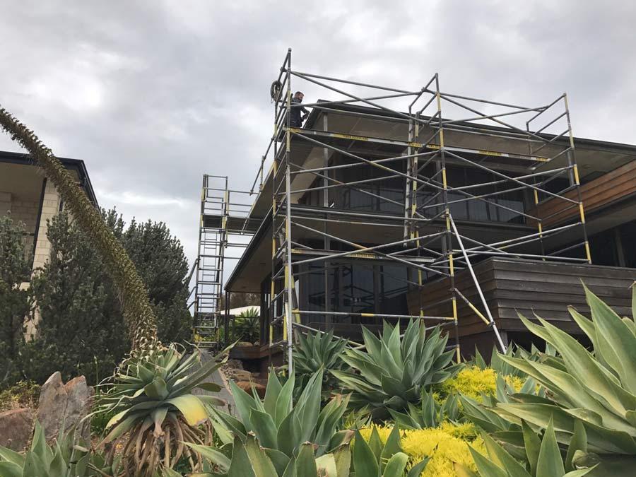 outdoor home scaffolding