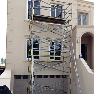 scaffolding assembled by house