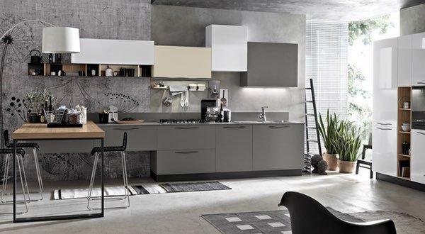 cucina di color grigio e bianco