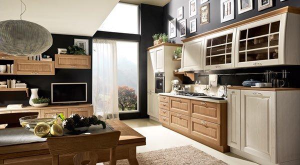 una cucina ampia in legno