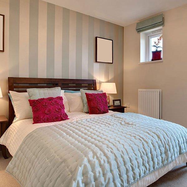 Semplice camera da letto