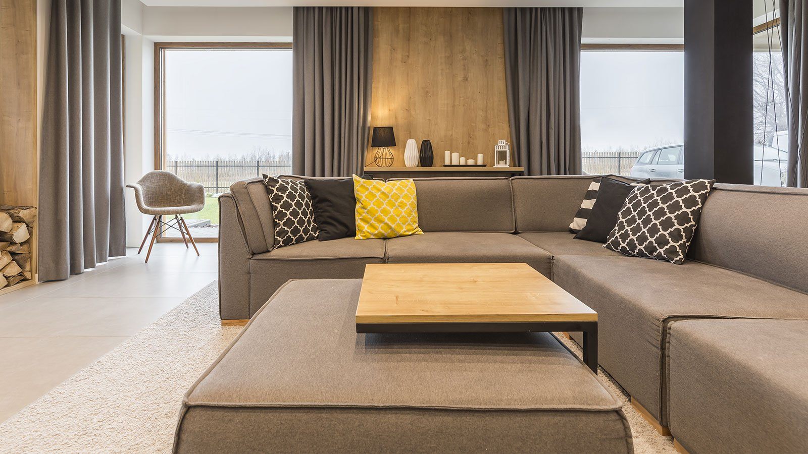 salotto con divano angolare