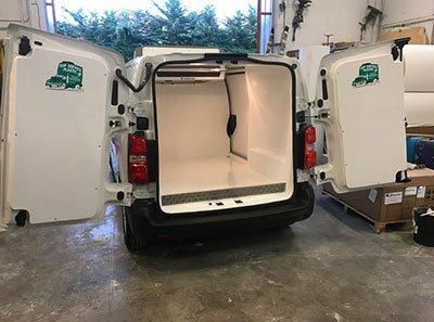 furgone bianco coibentato